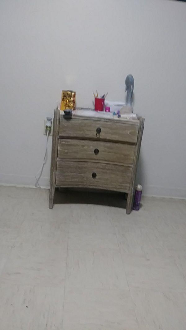 Best Small Wooden Dresser For Sale In Cincinnati Oh Dressers 400 x 300
