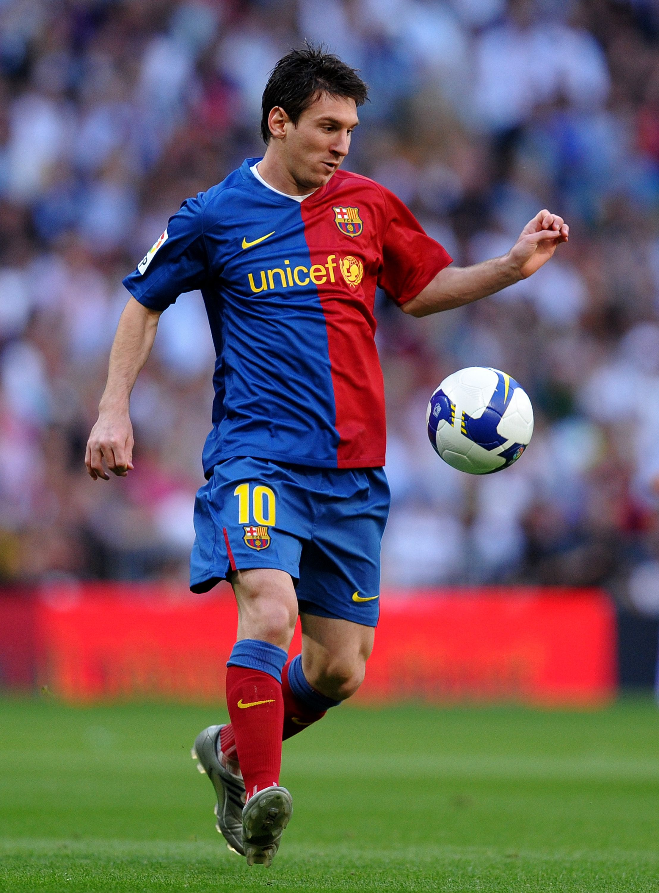 Lionel Messi | center-forward | Argentina - Play like Messi!