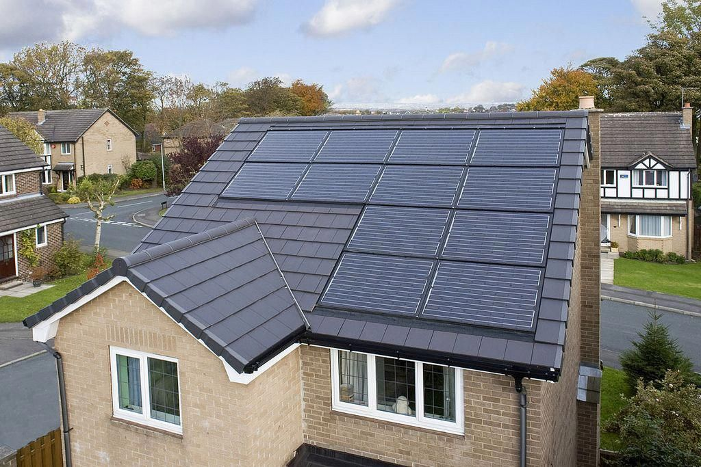 This 15 Year Old Detached Property In Huddersfield Was Completely Re Roofed In 2010 The Homeowner Removed The Original Con Solar Solar Roof Tiles Solar Panels
