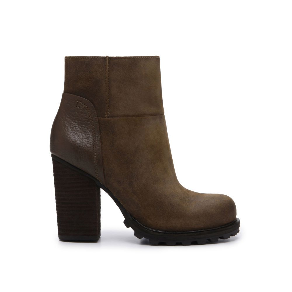 Were all about the lug sole. Get on board with the seasons hottest footwear trend and style with unexpected fabrics like neoprene separates.Upper material: LeatherLining material: SyntheticHeel height: 3.5 in
