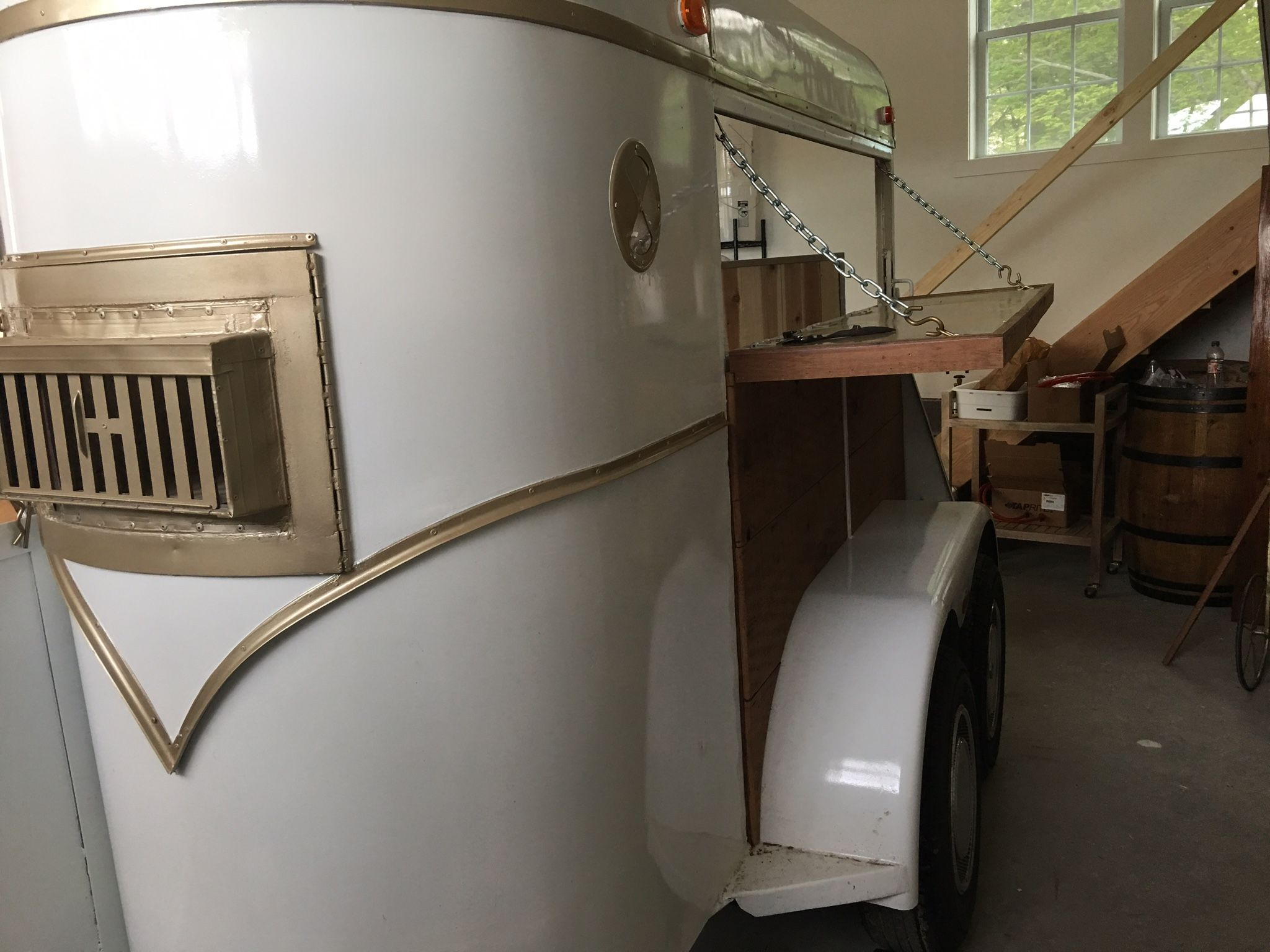 hight resolution of goldie the horse trailer bar from hudson trailer company