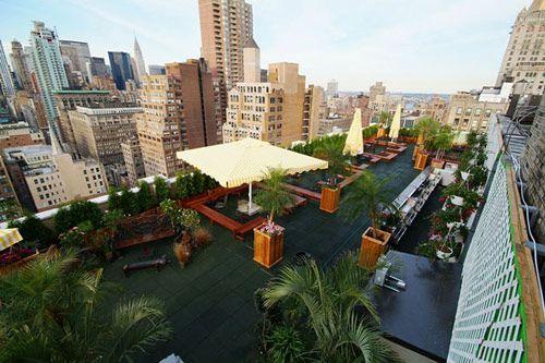 Le 230 fifth rooftop : le bar avec terrasse panoramique avec vue ...