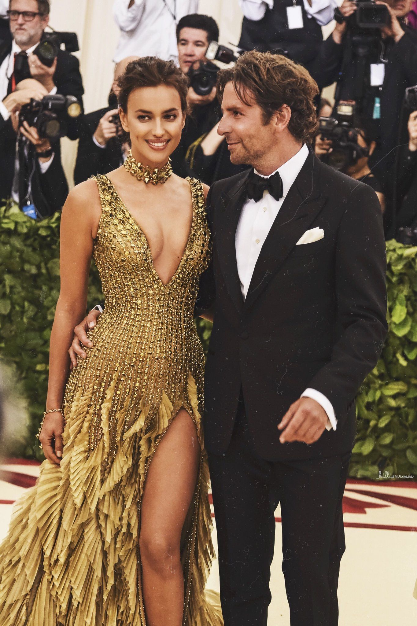 Irina Shayk In Versace And Bradley Cooper In Tom Ford 2018 Met Gala Dresses Irina Shayk Met Gala Looks