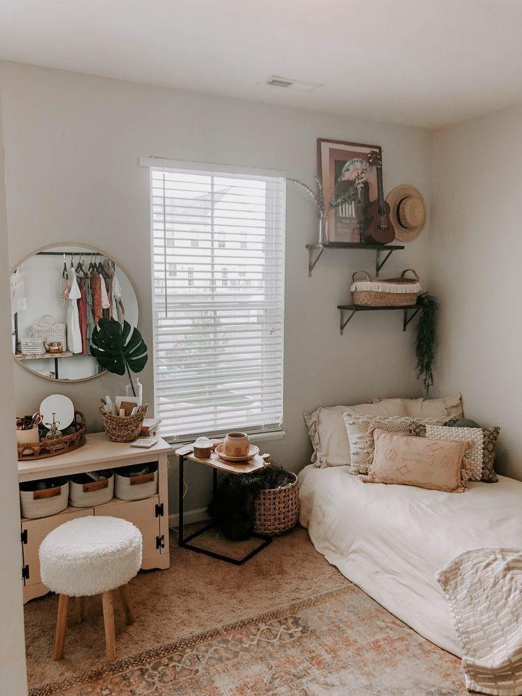 Pin By Hannahbeach On Home Cozy Dorm Room Dorm Room Decor Bedroom Decor Bedroom ideas on pinterest