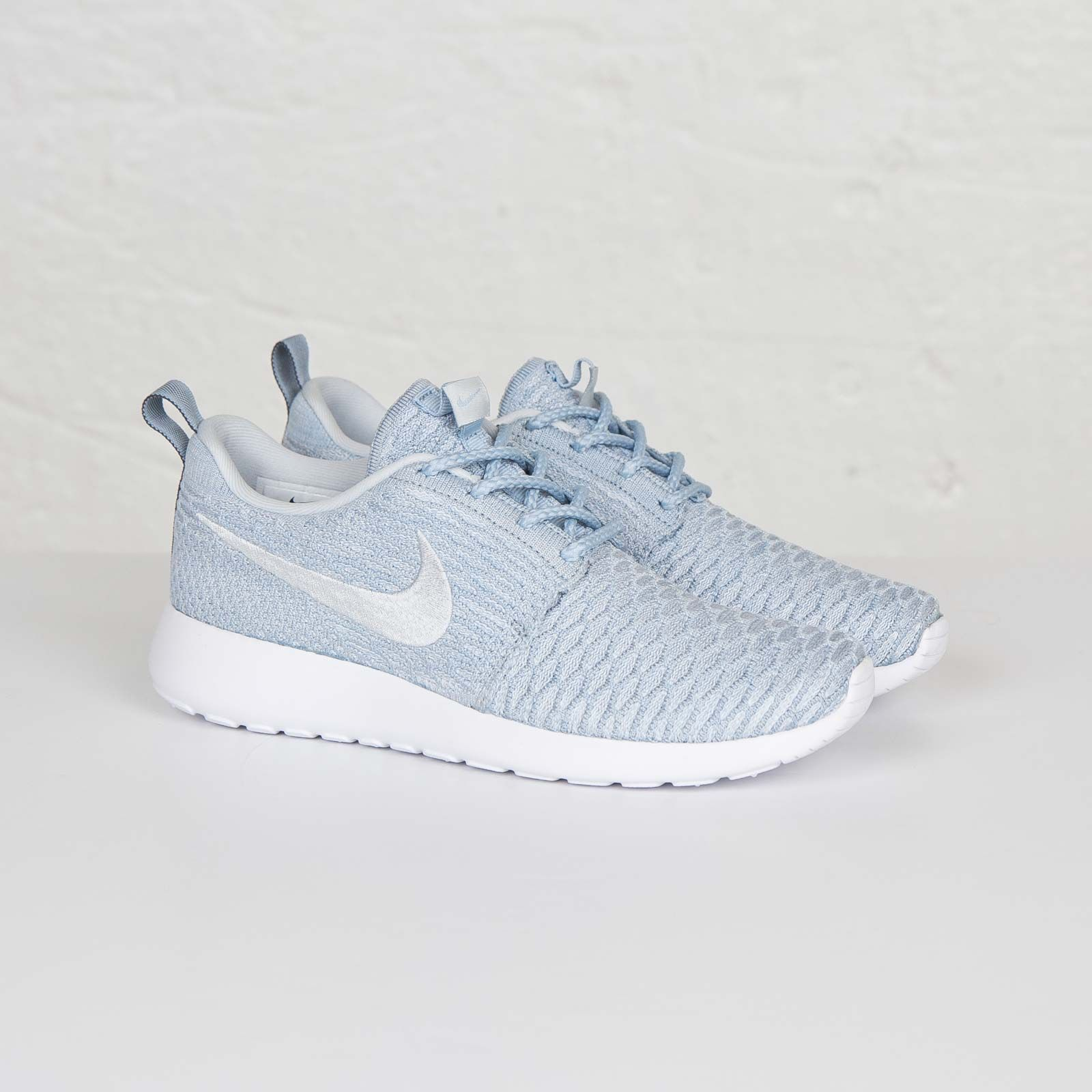 692165d69aebb Nike Roshe One Flyknit Women Light armory Blue Pure Platinum White ...