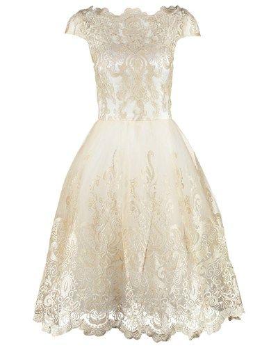 Cocktailkleid Festliches Kleid White Gold Chi Chi London 72 White Dress Party Lace White Dress Shop Cocktail Dresses