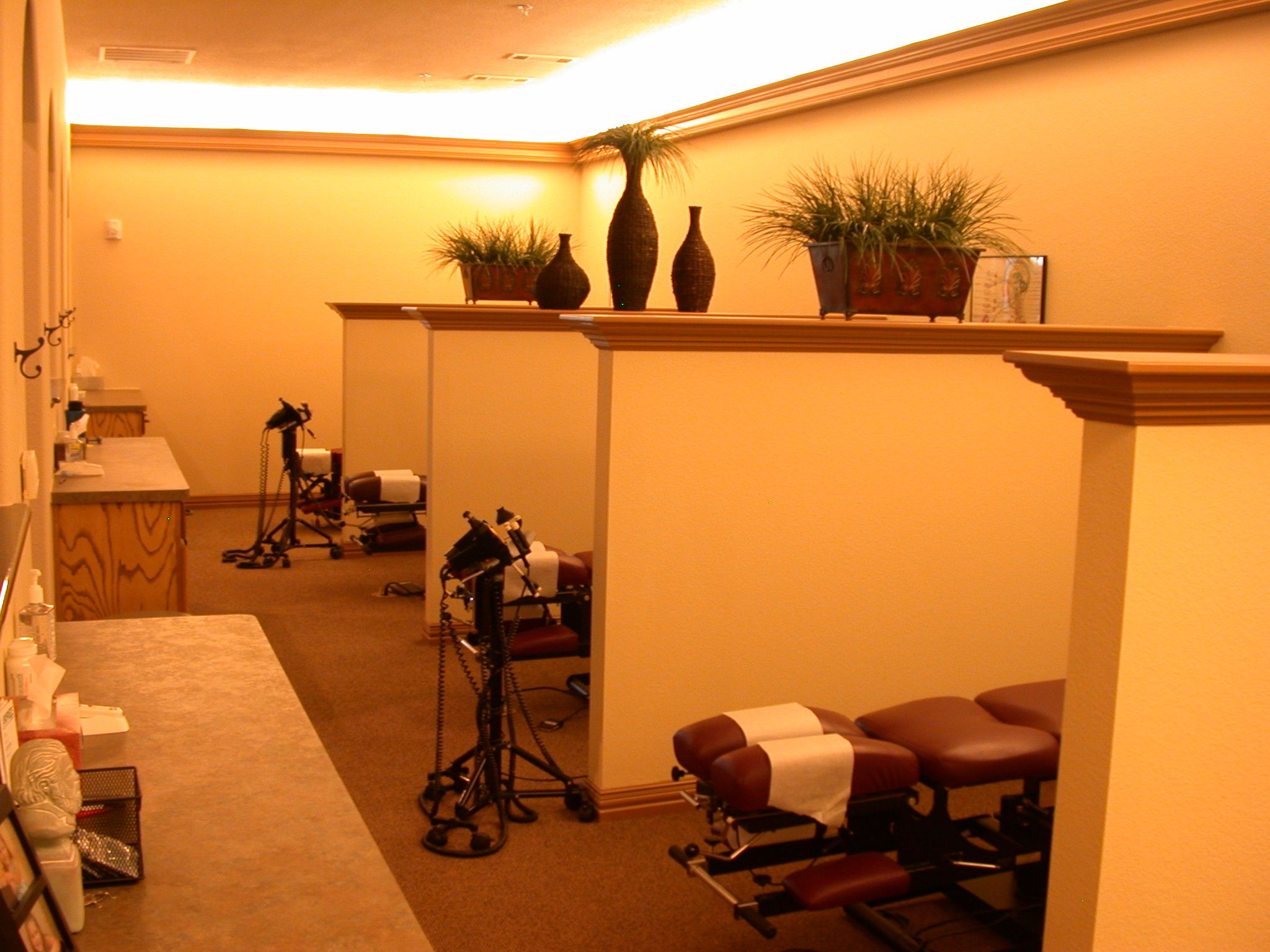 Open-Adjusting-Area.jpg (2048×1536) | Physical Therapy Office Design ...