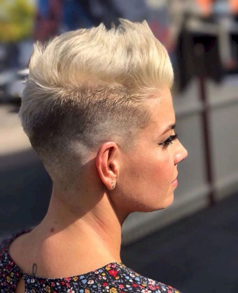 short haircut and platinum hair color for women style hairstyle