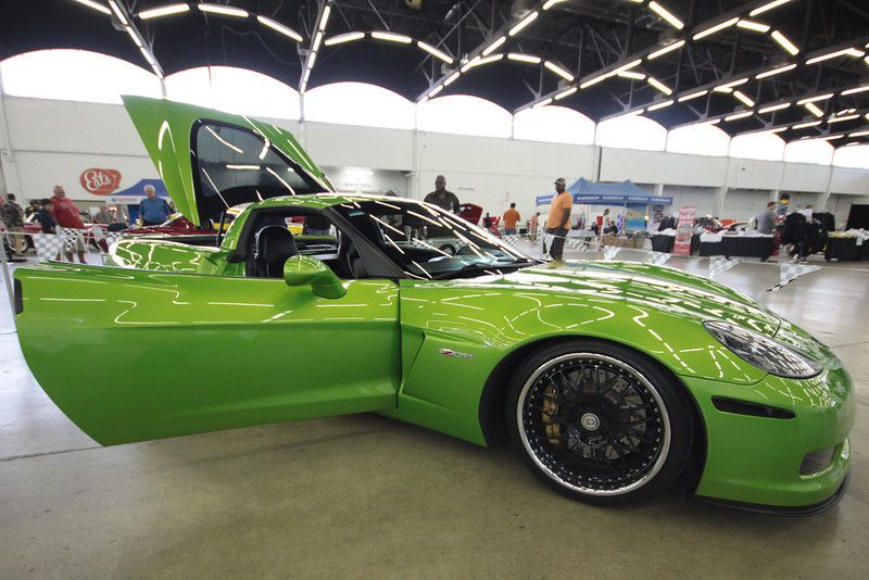 Joey Gonzales From San Antonio Displayed His Dazzling 2010 Zo6 Corvette As You Can See It Is Painted A Spectacular Lime Gr Corvette America Chevy Corvette