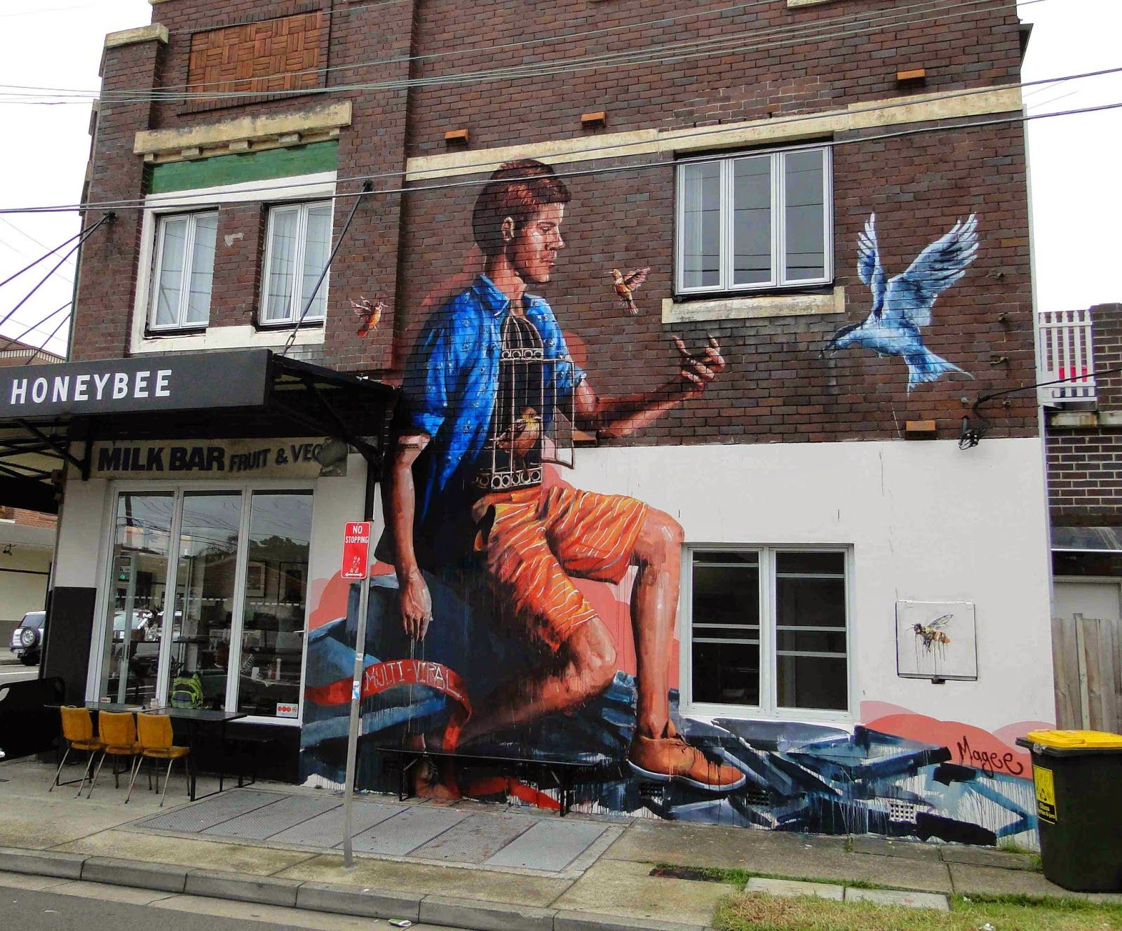 Our friend Fintan Magee is currently in Enmore, Sydney where he just finished working on this new piece for the Multi-Viral project. 1