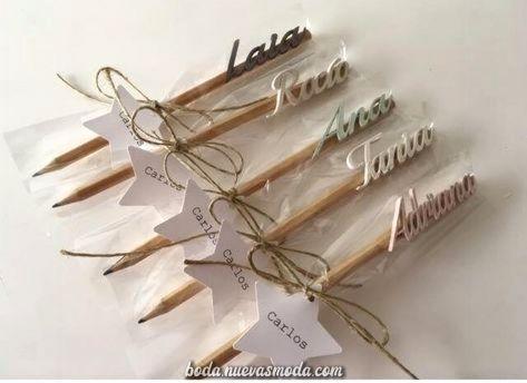 Los regalos están invitados, de lápices, de madera y toldo