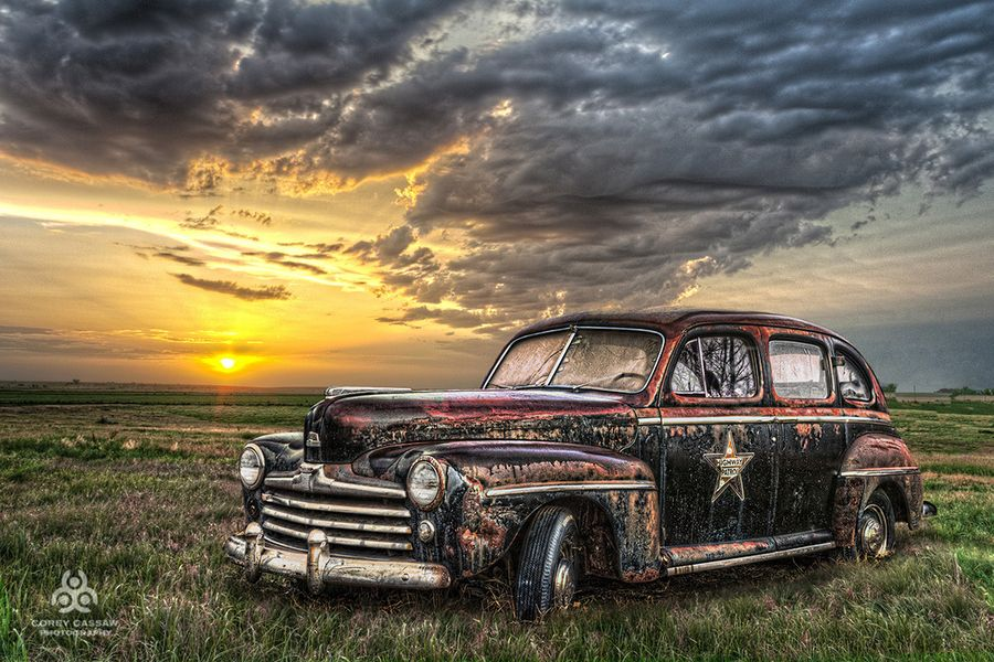 An abandoned Missouri Highway Patrol car from the 1940\'s. LOVE ...