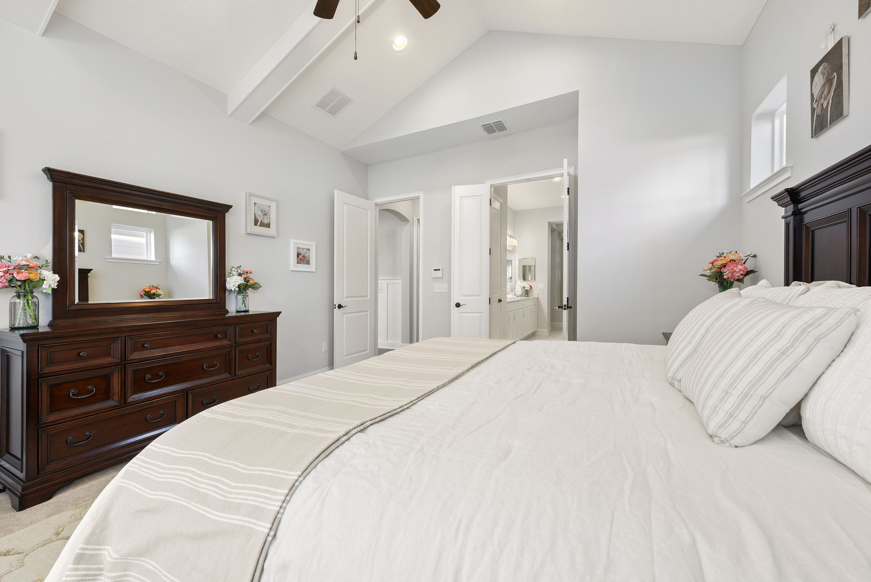 master bedroom  white linen bedding master bedroom