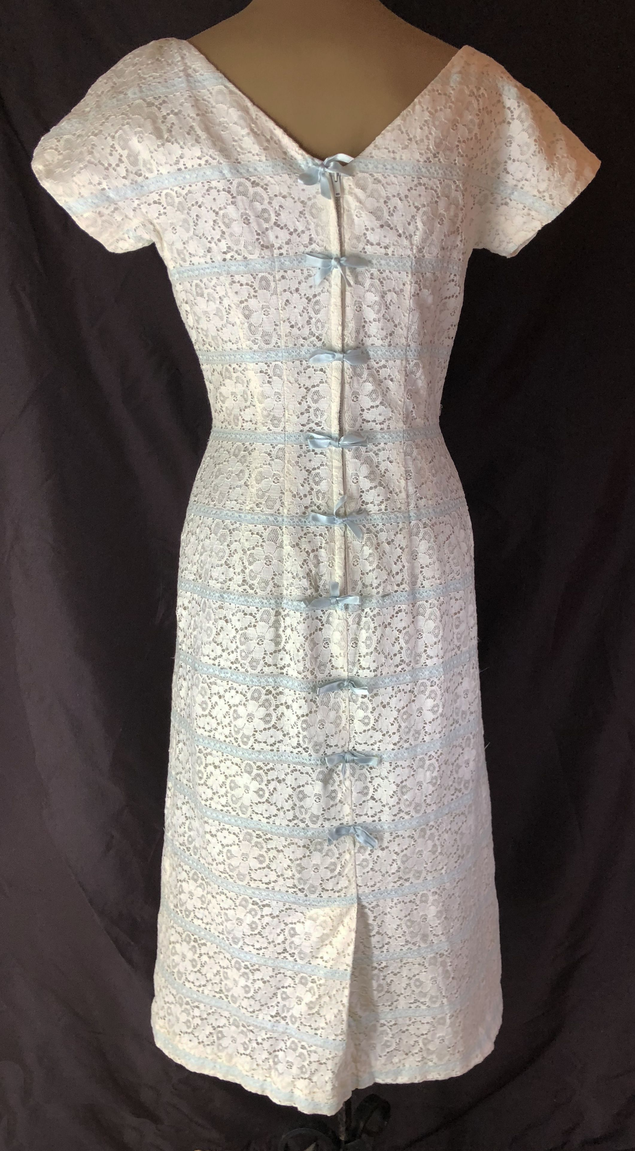 White lace dress vintage  Gorgeous Vintage Jonathan Logan dress The bows are down the back