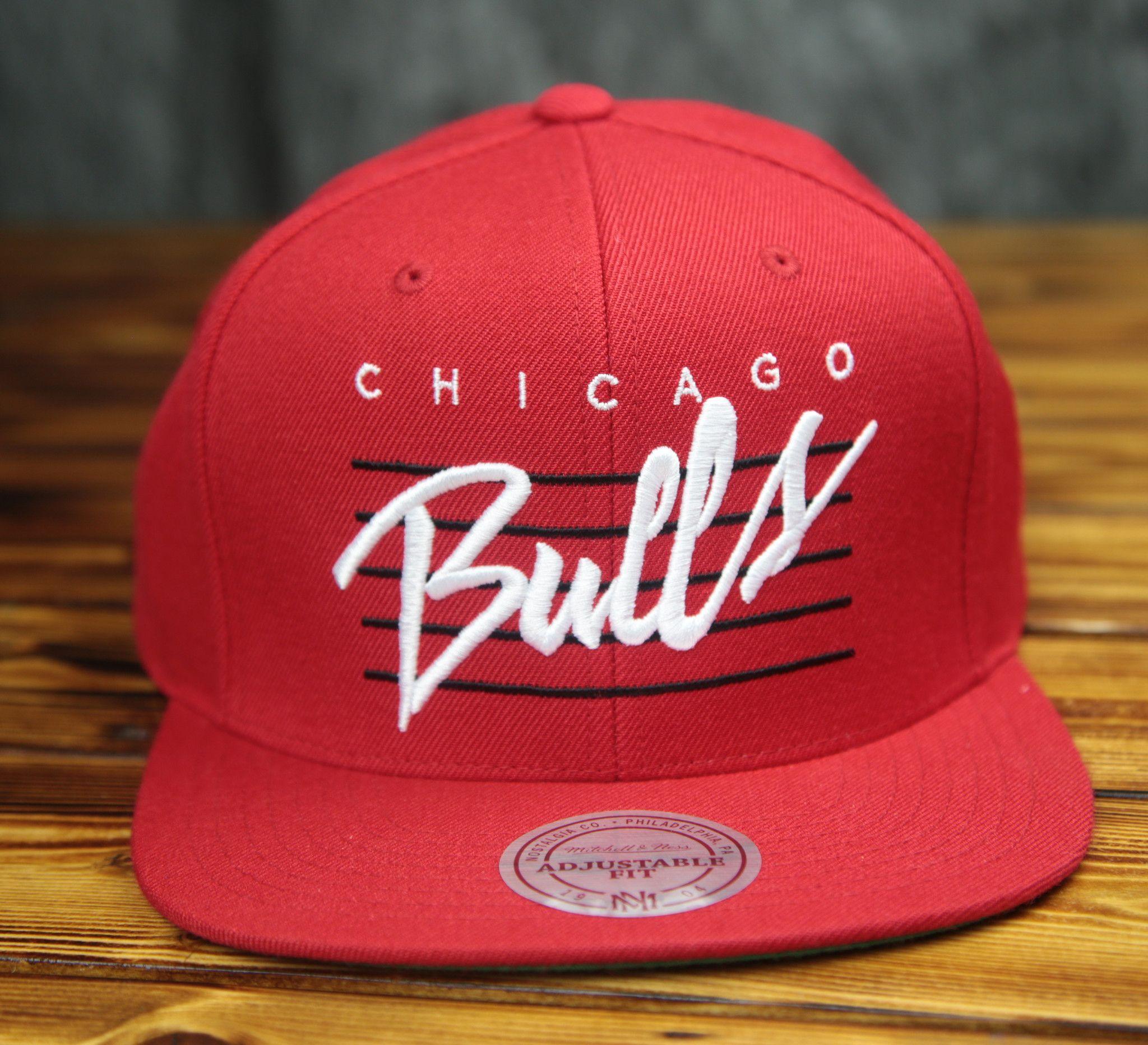 65a98519fb4 Chicago Bulls Mitchell   Ness Cursive Retro Script Snapback Hat ...