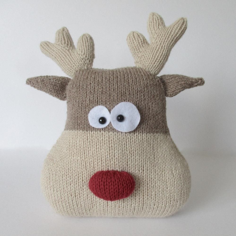 Reindeer Cushion | Knit patterns, Amanda and Berry