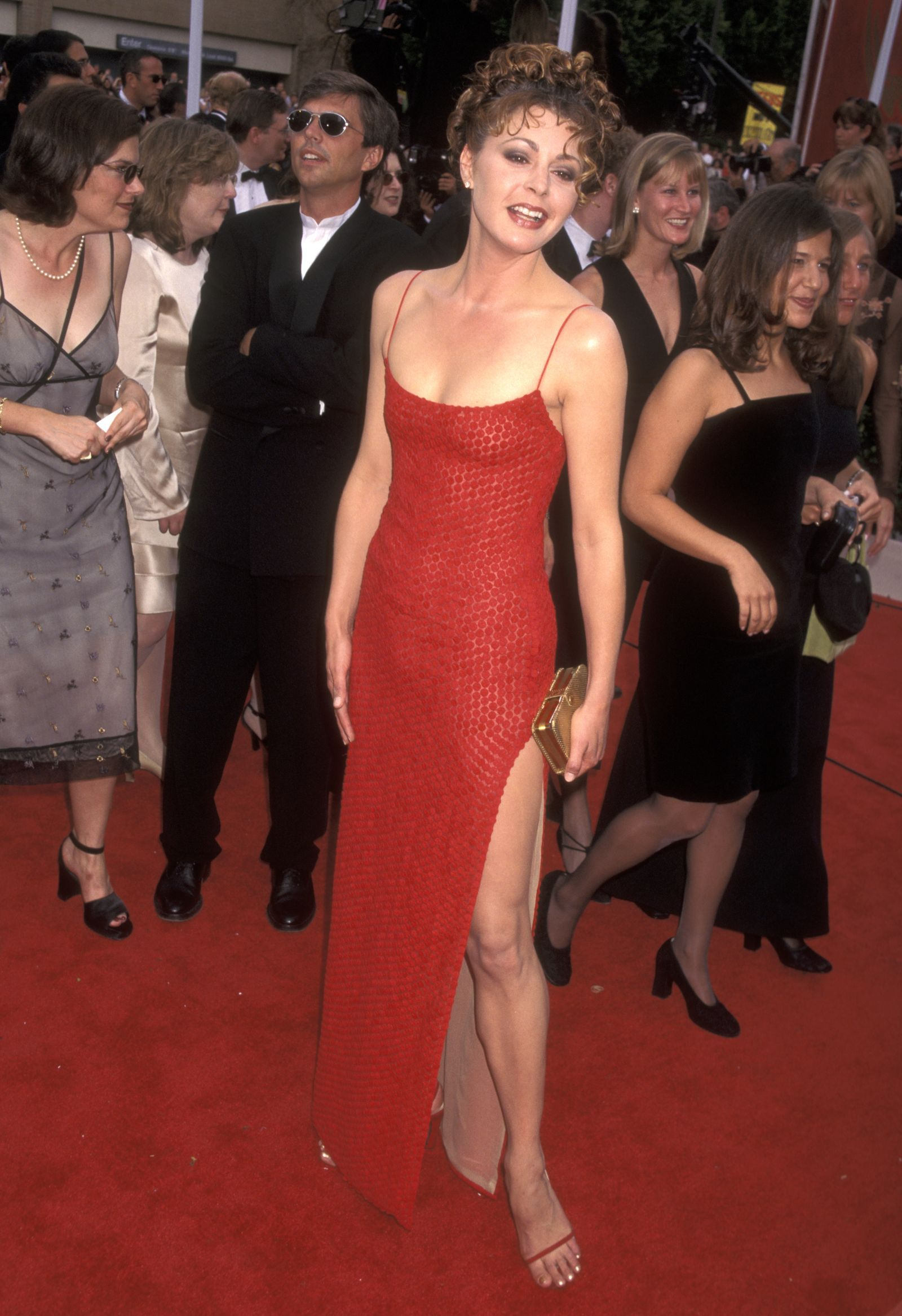 The Best Emmys Red Carpet Dresses Of All Time 90s Prom Dresses Red Carpet Dresses 90s Red Carpet Dresses [ 2335 x 1600 Pixel ]