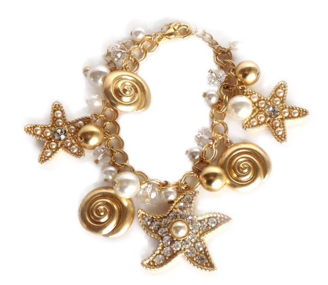 Gold Starfish Sea Life Shell Charm Bracelet http://www.teramasu.com/collections/sea-life-jewelry-collection/products/gold-links-star-fish-bracelet-charm-pearl-shell-sealife