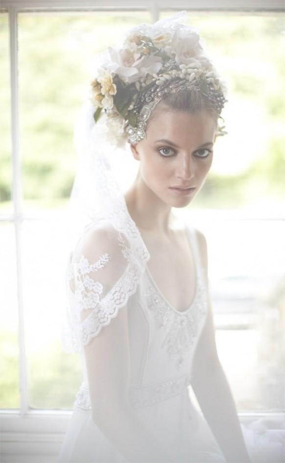 Super romantisch, vintage-inspirierte Schleier und Brautkleid aus ...
