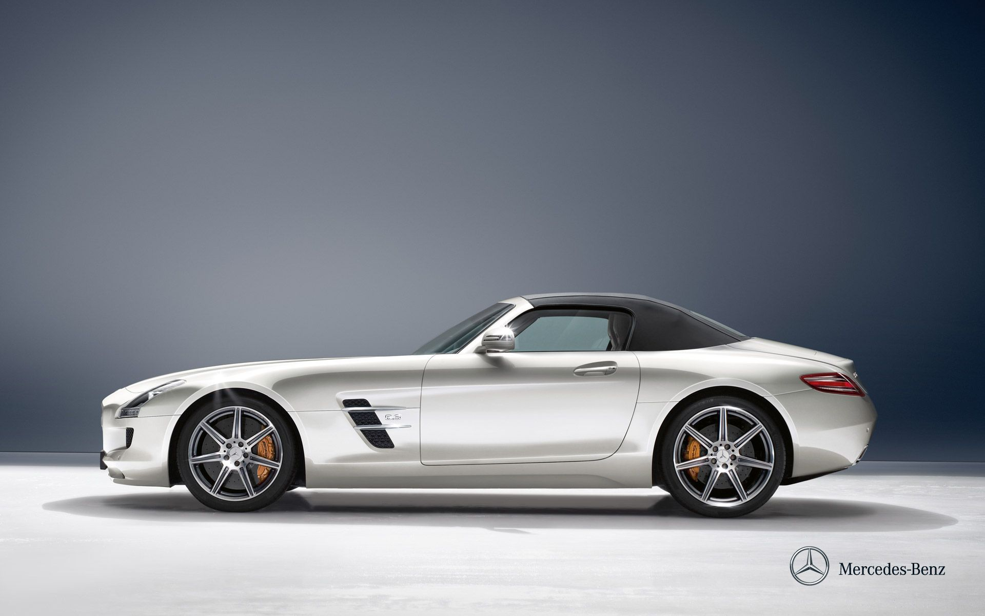 Mercedes Benz Sls Amg Roadster Wallpaper Though Its Sheetmetal