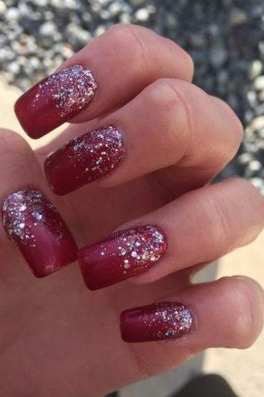 36 Easy Glitter Nail Designs For Christmas Holiday Red Nails Glitter Red And Silver Nails Red Sparkle Nails