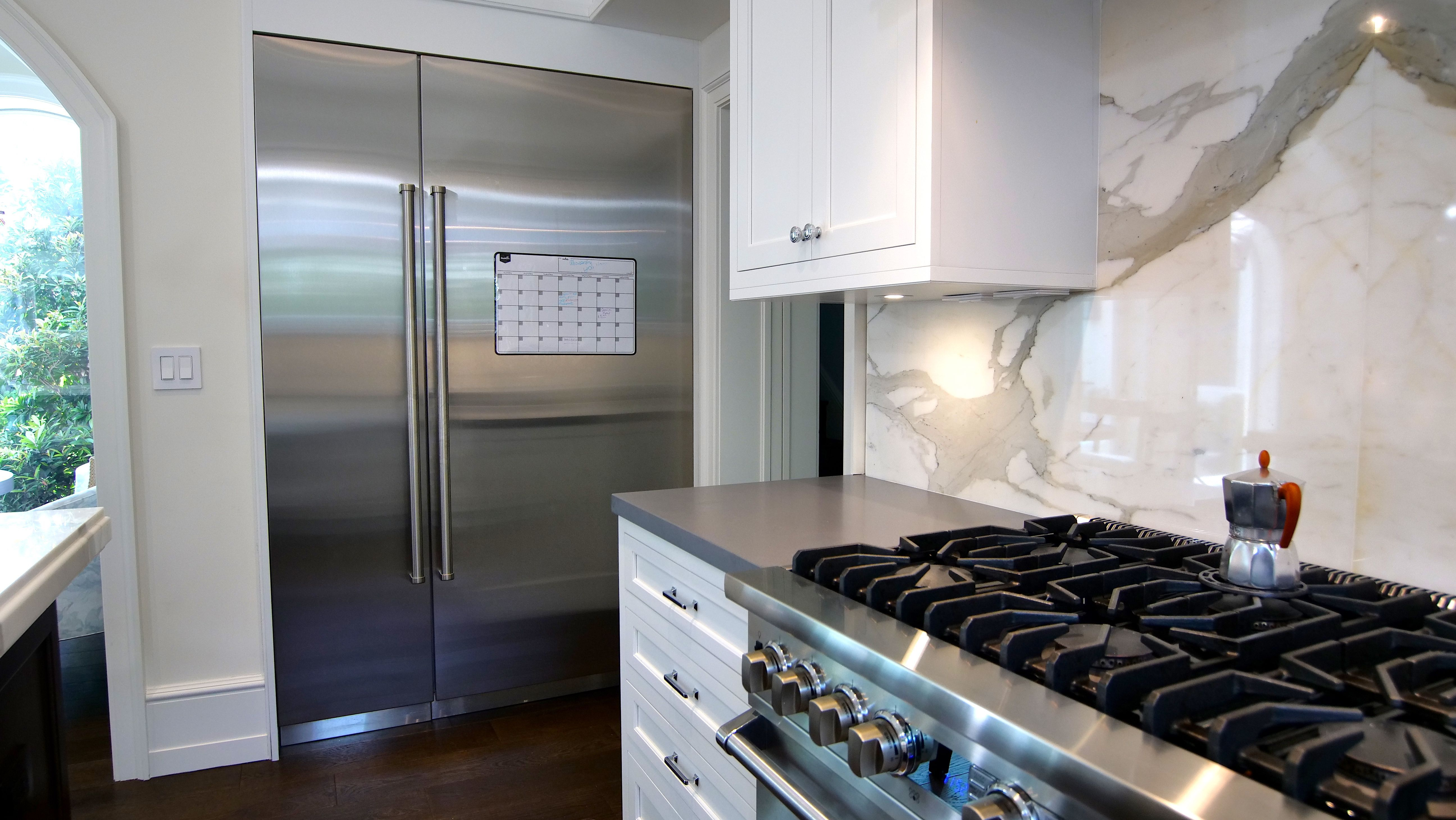 The Kitchen Is The Life Of The Party Call Us At 305 234 1990 In 2020 Kitchen Home Decor Kitchen Cabinets