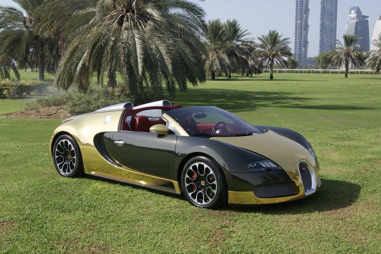 Black And Golden Bugatti Veyron In London Luxury Sport Cars