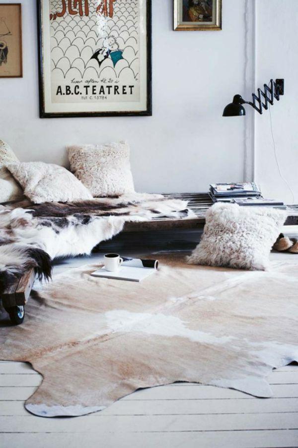 skandinavisches wohnzimmer kuhfell teppich skandinavische - moderne teppiche fur wohnzimmer