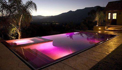 piscine de luxe extérieur
