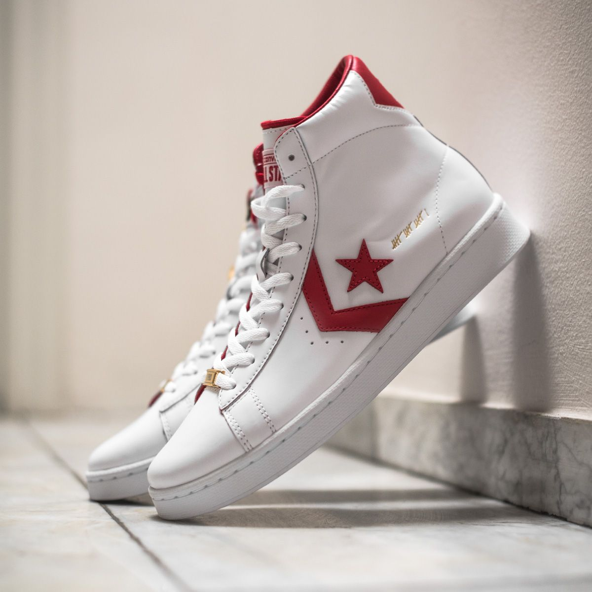 The Converse Pro Leather MID - CT16 is part of the highly exclusive CT-16 c879275e6