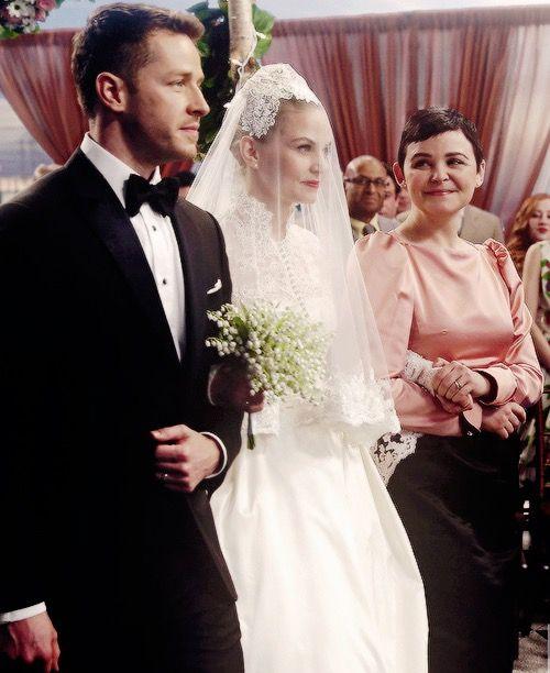 Emma And Hooks Wedding Ginnifer Goodwin Snow White Jennifer