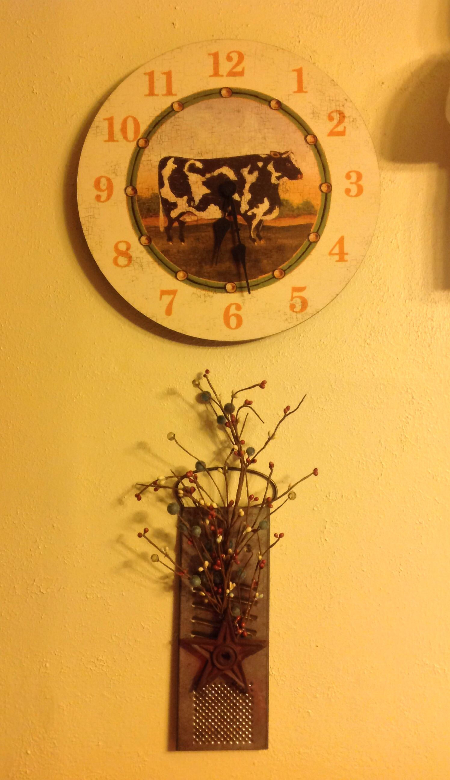 Old grater wall decor | For the Home | Pinterest | Grater, Wreaths ...