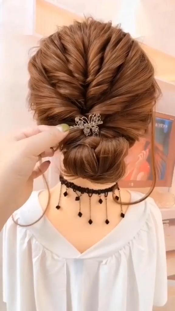 Super Easy Hair Updo Wow A Very Beautiful Hairstyle Idea In 2020 Easy Hair Updos Hair Tutorial Hair Styles