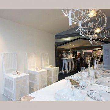 une mise en scène d\\'art de la table blanche par les ateliers d\\'art de france