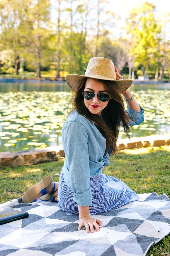Dallas blogger Amy Havins wears a blue and white Old Navy spring dress.