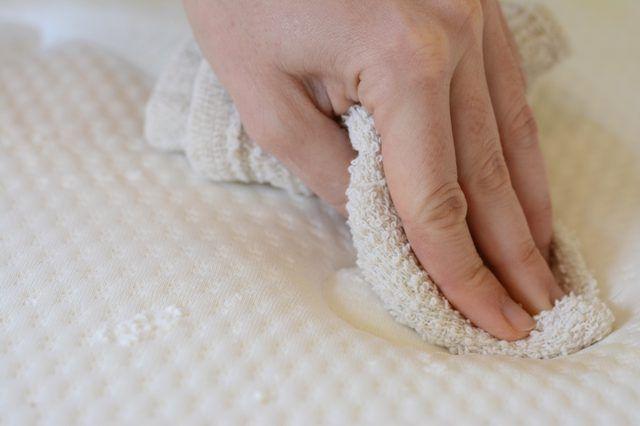 4f993f9b07d15082d551d14993385ec9 - How To Get Rid Of Mildew Smell In Hotel Room