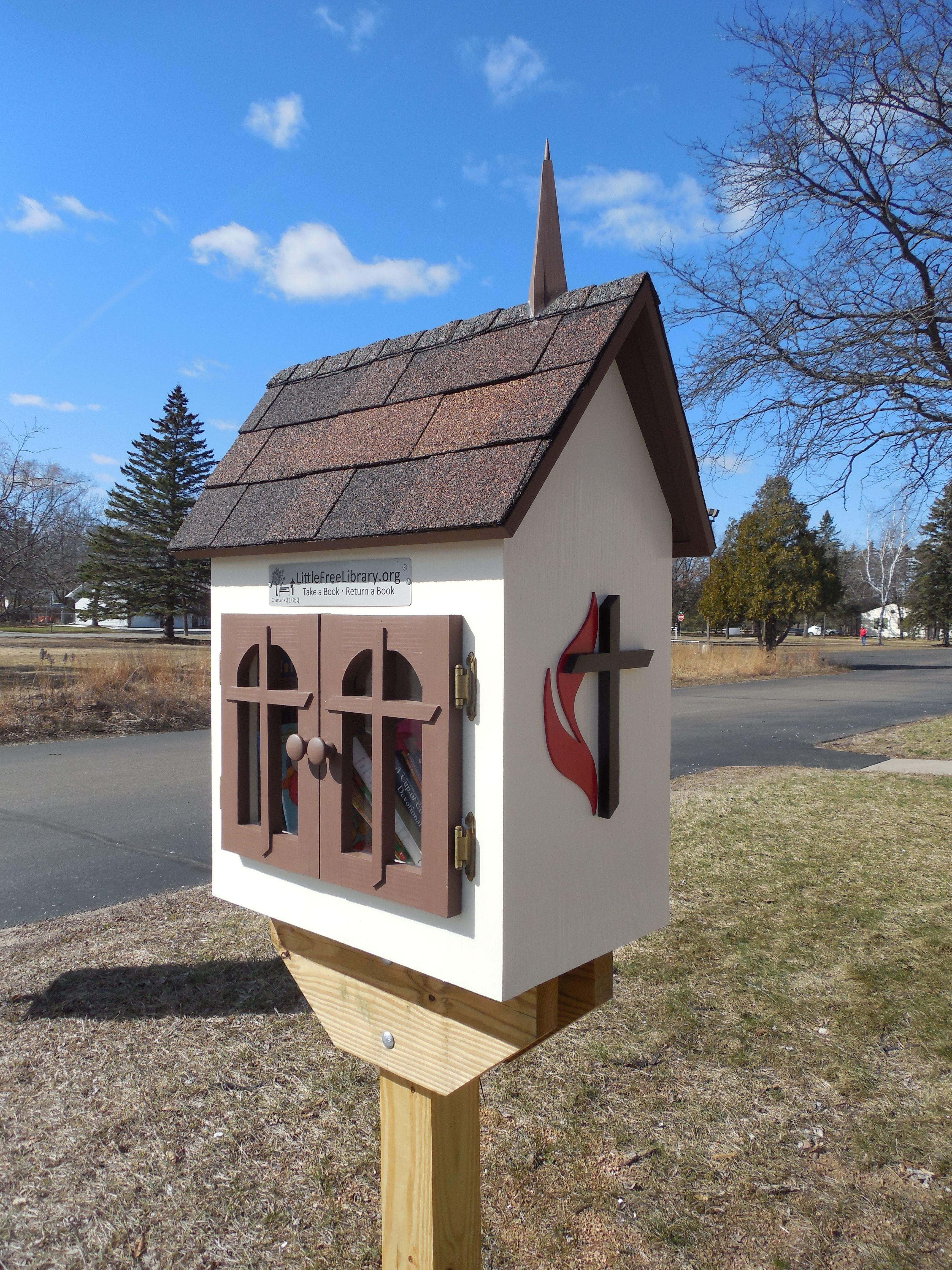 Little Free Library 31683 St Paul S United Methodist Church Stevens Point Wi Little Free Libraries Little Library Free Library
