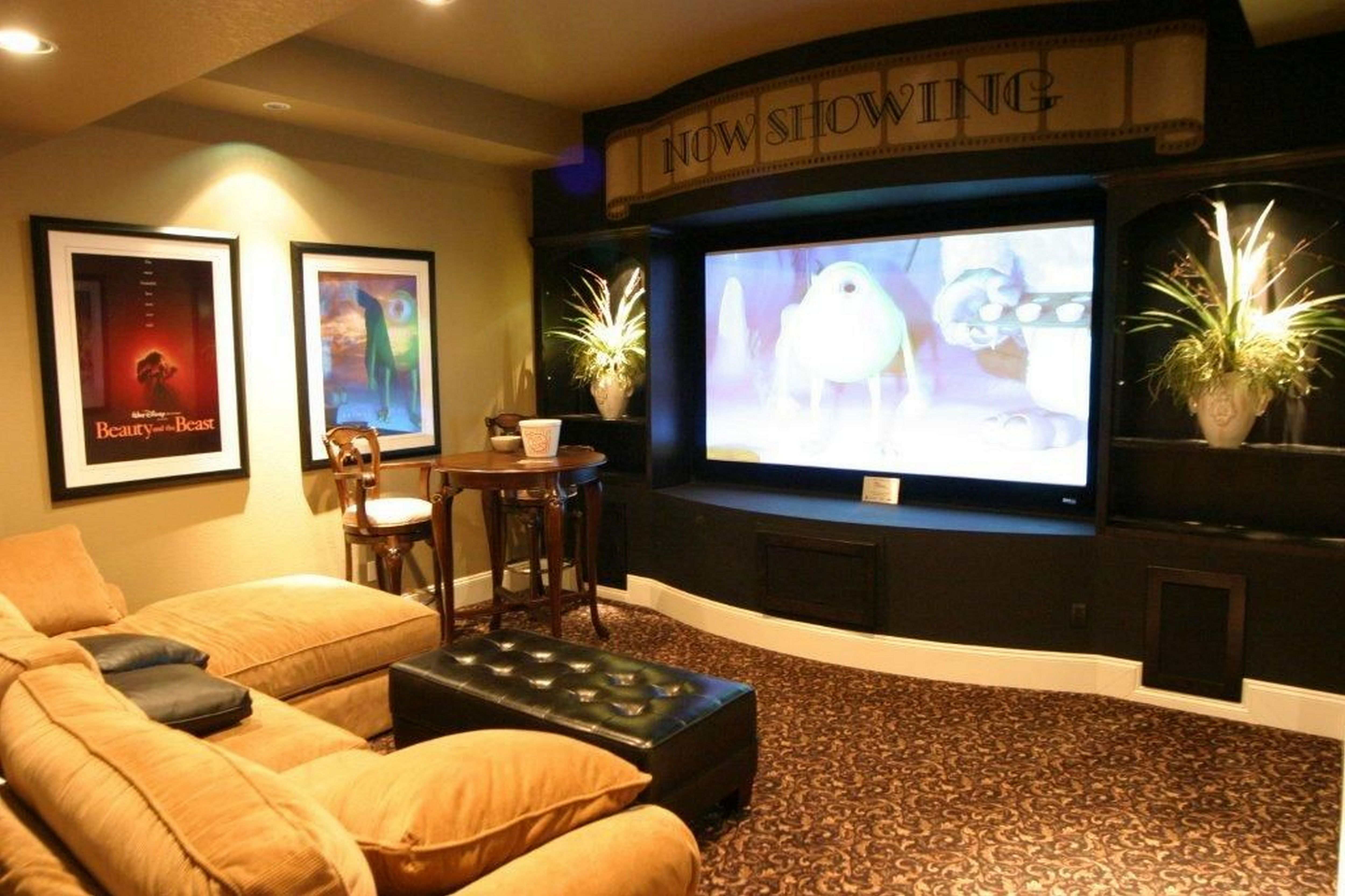 Outstanding 50 Cozy Small Movie Room Design Ideas For Your Happiness Family Https Decoor Net 50 Co Small Movie Room Home Theater Design Home Theater Seating