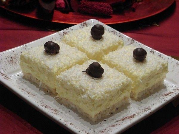 Lahodné kokosové kostky s vanilkovým krémem | NejRecept.cz