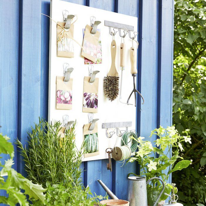 fabriquer un rangement mural pour le jardin home. Black Bedroom Furniture Sets. Home Design Ideas
