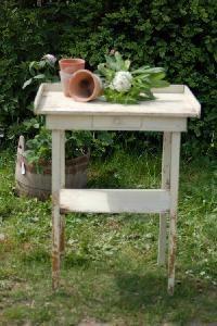 Gl. plantebord - cremehvidt - dansk - Blandet Landhandel