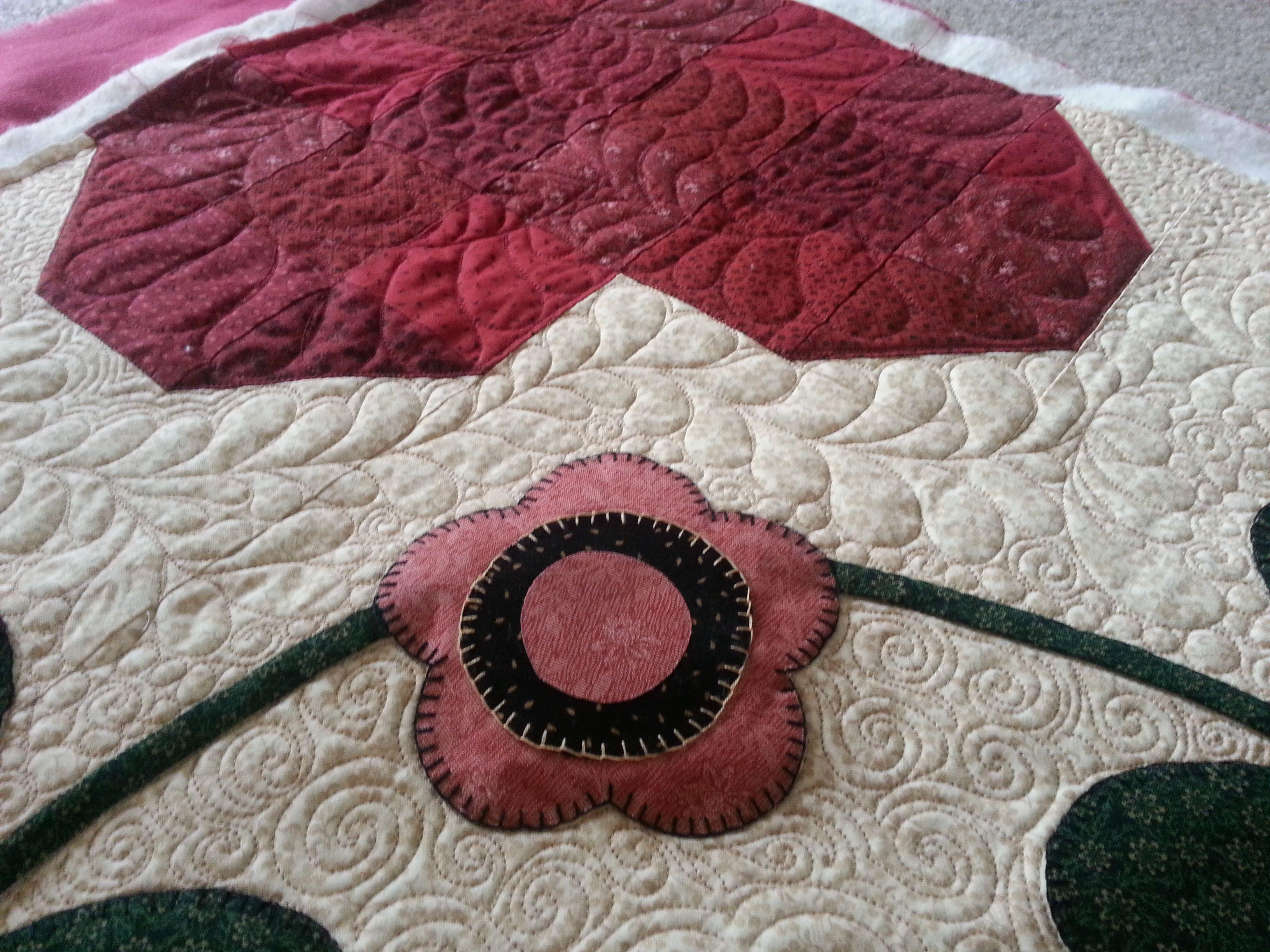 Machine quilting around applique kelly cline quilting longarm