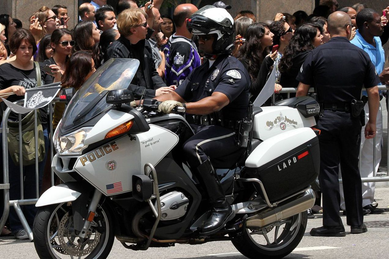 Fewer Arrests Being Made In California Law Enforcement Today Police Uniforms Police Law Enforcement Today