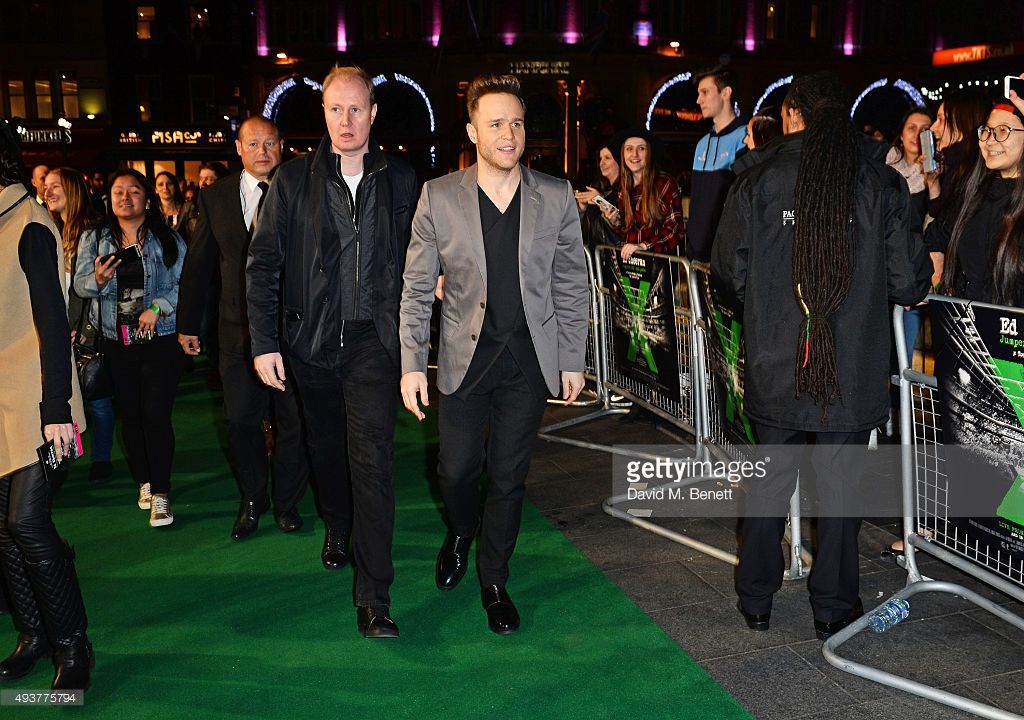 Olly Murs attends the World Premiere of 'Ed Sheeran: Jumpers For Goalposts' at Odeon Leicester Square on October 22, 2015 in London, England.