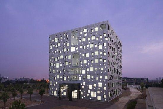 Cube Tube - Sako Architects