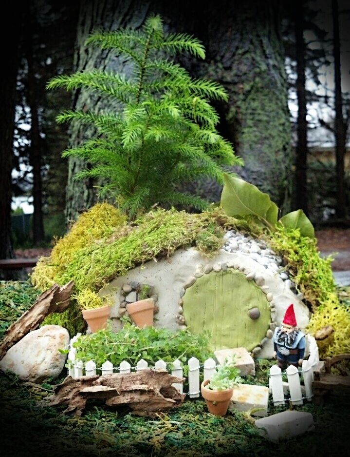 Miniature+fairy+and+hobbit+homes+for+sale