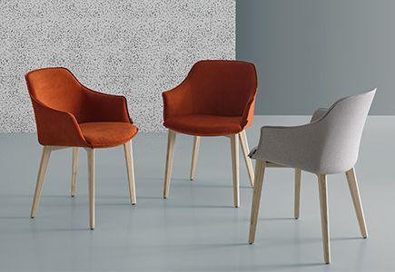 stoelen verkrijgbaar bij top interieur in izegem