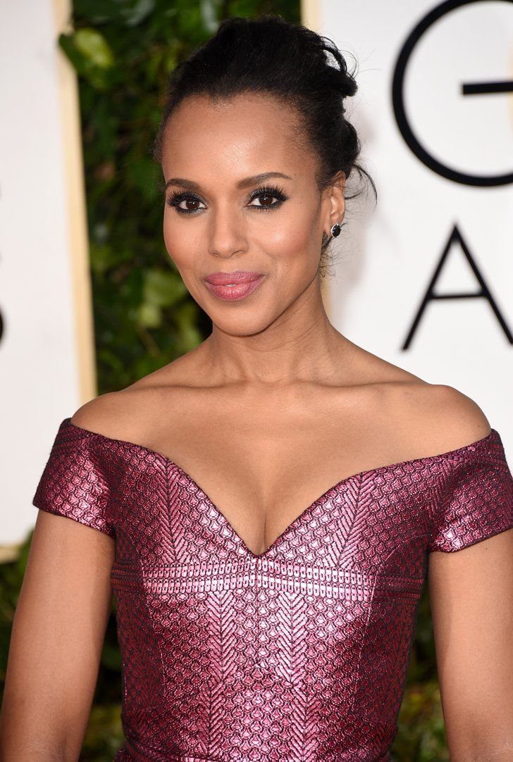 Pin for Later: See Every Single Stunning Beauty Look From the Golden Globes Kerry Washington Kerry's look was both sweet and sensual thanks to inky eyeliner and a soft rose pout.