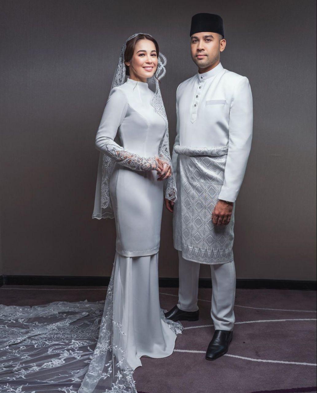 Baju nikah emma maembong in 11  Nikah dress, Nikah outfit, Baju