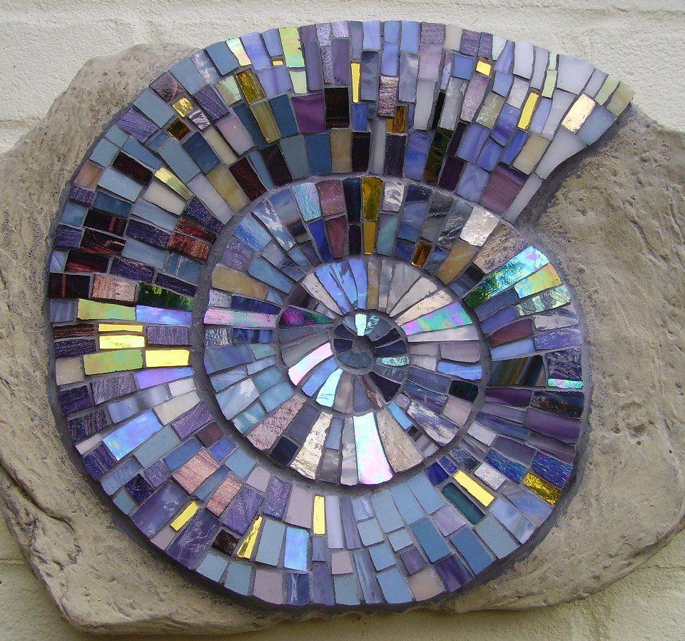 Nautilus spirals pinterest nautilus mosaics and glass for Nautilus garden designs